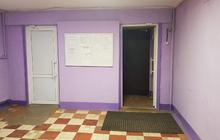 Уютная комната на девятом этаже в общежитии секционного типа