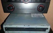 Продаю штатное головное устройство оригинал б/у мазда 3 седан 2006г, с облицованной панелью