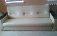новый кожаный диван