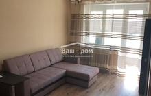 Продается 2 комнатная квартира в Александровке, школа № 106.