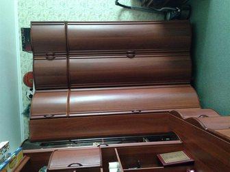 Просмотреть foto Мебель для гостиной Продам угловую модульную стенку-шкаф (б/у) 32628764 в Ростове-на-Дону