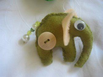 Смотреть фото  Игрушка Слоненок из фетра ручной работы 33152554 в Ростове-на-Дону