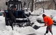Убираем и вывозим снег в Санкт-Петербурге.