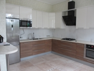 Кухня «Канти» 3000х5050 мм Модули с фасадами МДФ Невский ламинат с покрытием УФ-