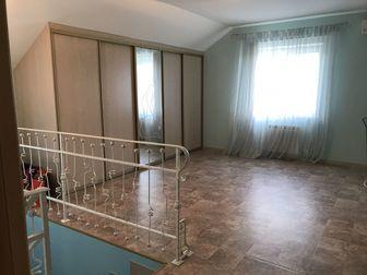 Продаю двухэтажный дом в центре города Кировского района,  два парковочных места  гараж, веранда, бассейн 7, 5-3, 5 по всей территории газон и автополив в доме имеется в Саратове