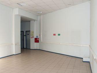Номер объекта в базе: 40045,  Сдается в аренду помещение в центре города,  Театральная площадь,  с общей площадью - 286 кв, м, 3 просторных зала, 5 кабинетов, в Саратове
