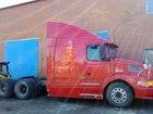 Фото в Авто Грузовые автомобили Продам Вольво VNL64T, 1999 г. в. , цвет красный, в Сургуте 1000000
