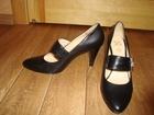 Изображение в Одежда и обувь, аксессуары Женская одежда Продам женские кожаные туфли 38 размер, черного в Тюмени 1200