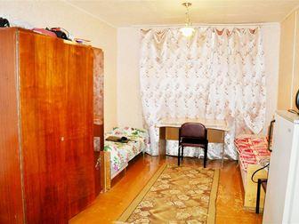 Продается просторная комната в центре города по ул,  Достоевского, д,  133!  Комната расположена на втором этаже четырехэтажного кирпичного дома, общая площадь 18 в Уфе