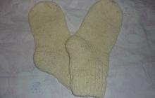 Носки шерстяные (ручной вязки, спицы)