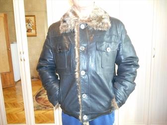 Просмотреть фотографию Дома Продаю зимнюю-кожаную куртку, (Италия) 48-50 41473137 в Москве