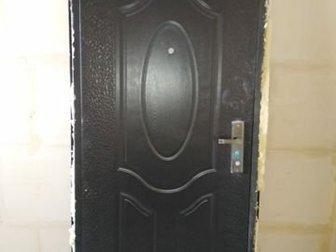 Дверь входная,  Открывается во внутрь,  ширина 90 см,  Правая, в Волгограде